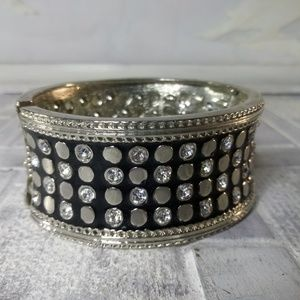 Big Beautiful Silver toned accented bangle